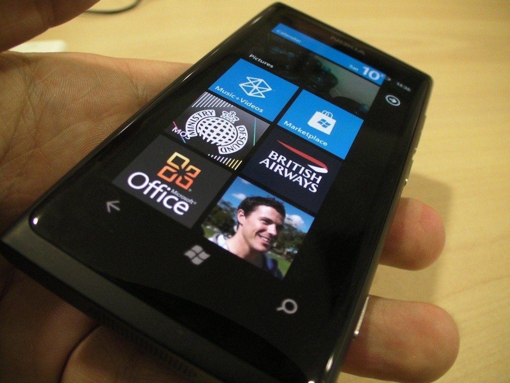 Nokia Lumia 800 Survives A 3 Month Long Bath In Swedish ...