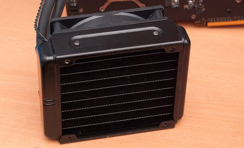 AMD R9 295X2 (16)