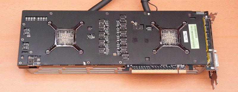 AMD R9 295X2 (4)