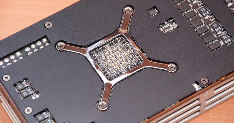 AMD R9 295X2 (8)