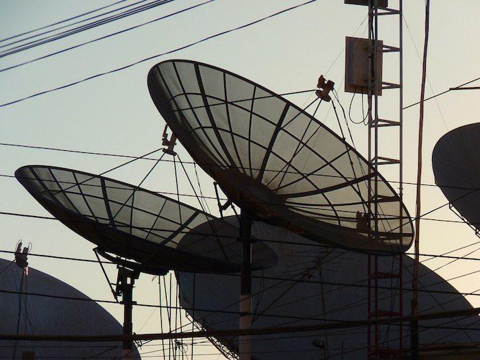 satellite dishes 43234 1280