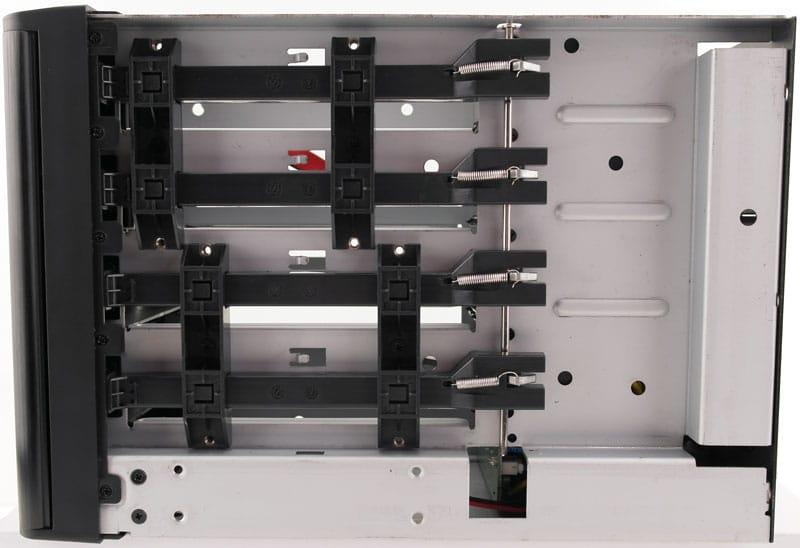 SilverStone_TS431-Photo-Inside_mechanism