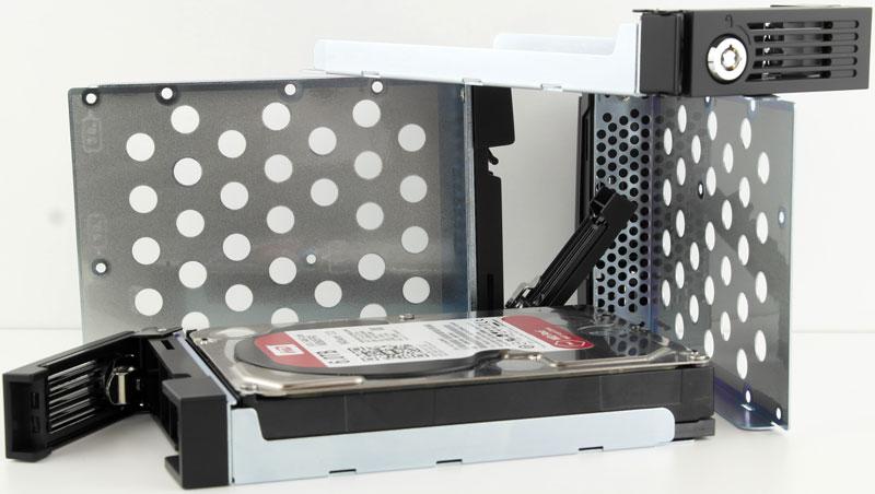 QNAP_TS-453Pro-Photo-disktrays