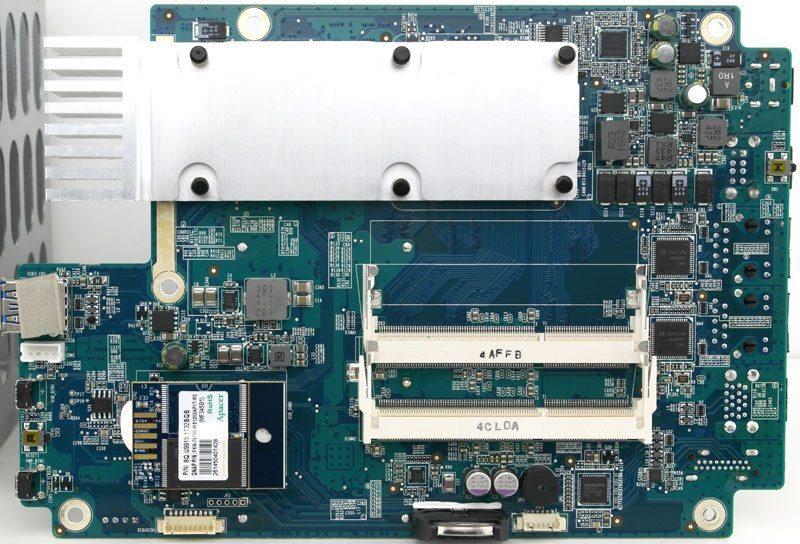 QNAP_TS-453mini-Photo-int_mb-bottom