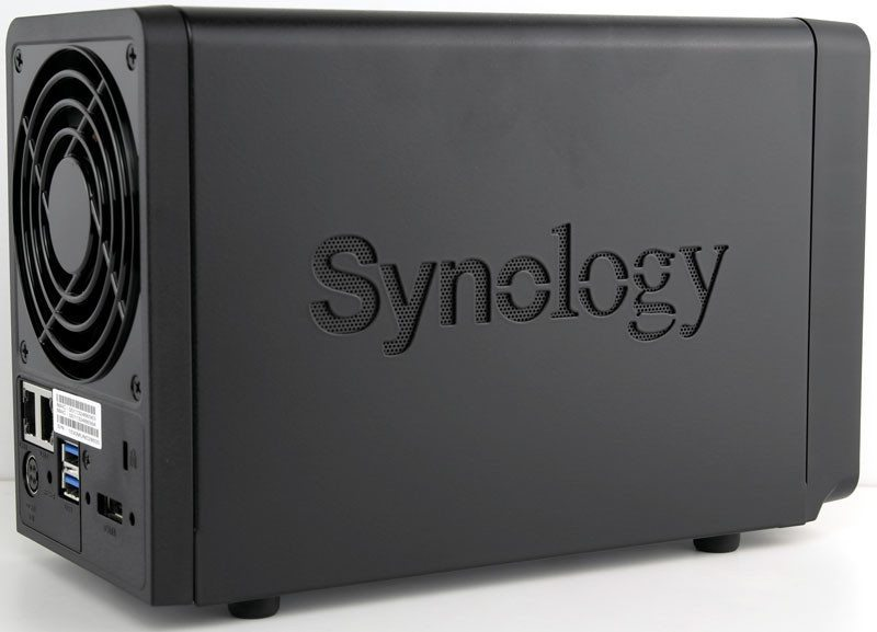 Synology_DS715-Photo-side-angle
