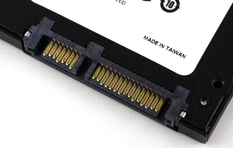 ADATA_SP550-Photo-connector