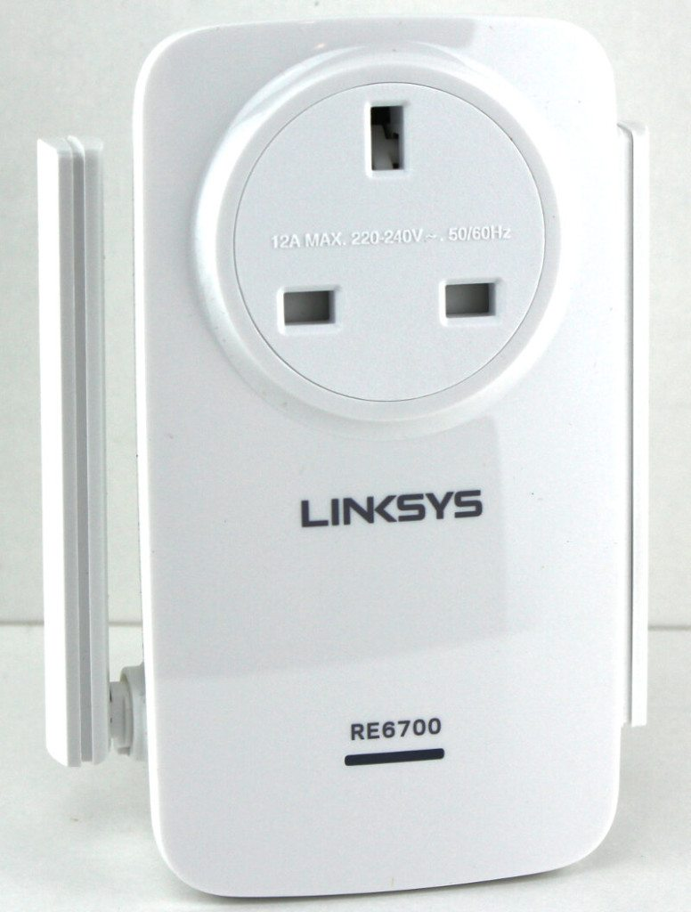 Linksys_RE6700-Photo-front angle