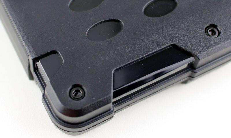 SilverStone_MMS01-Photo-screws