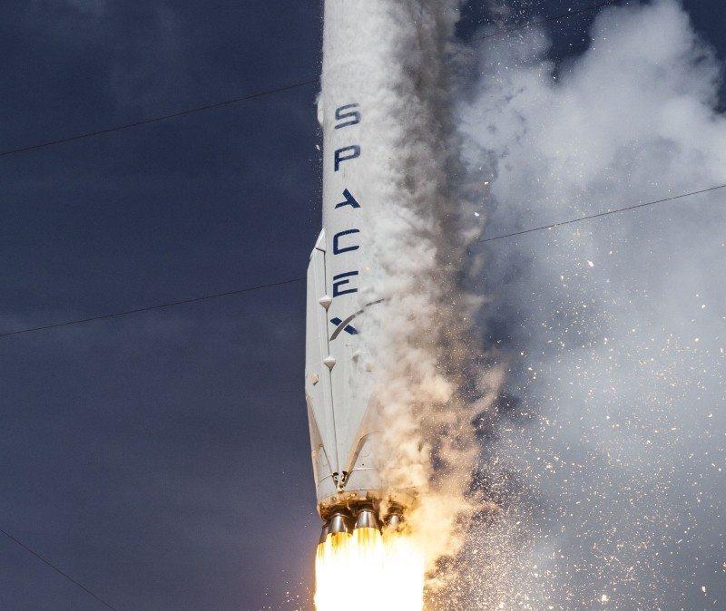 Falcon_9_rocket
