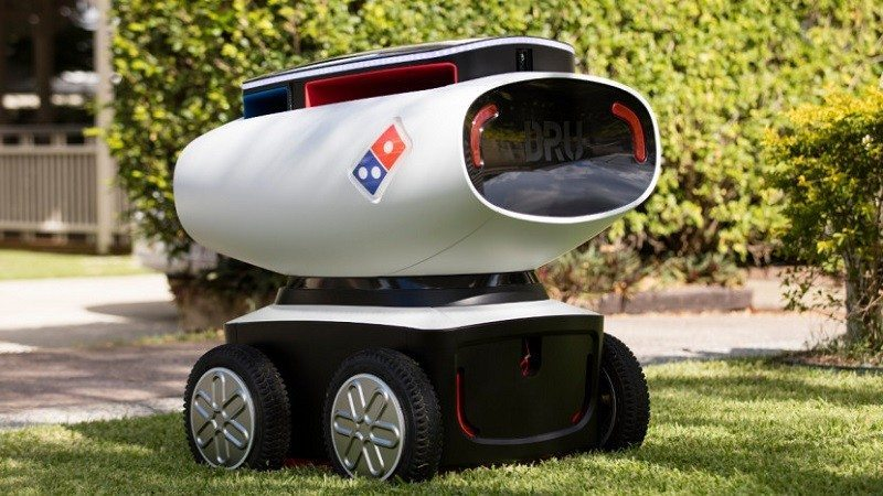 dominos robot