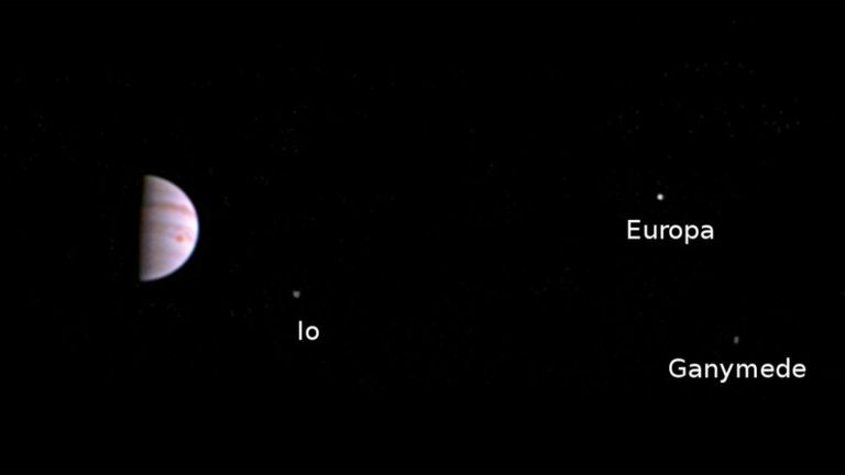 Juno pictures Jupiters moons