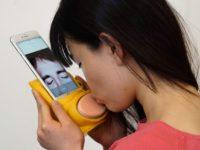 Kissenger Messaging Device