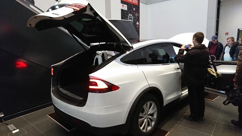 Tesla P100D @ CeBIT Preview 2017