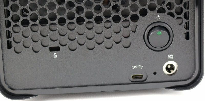 Drobo 5C Photo closeup button and connector