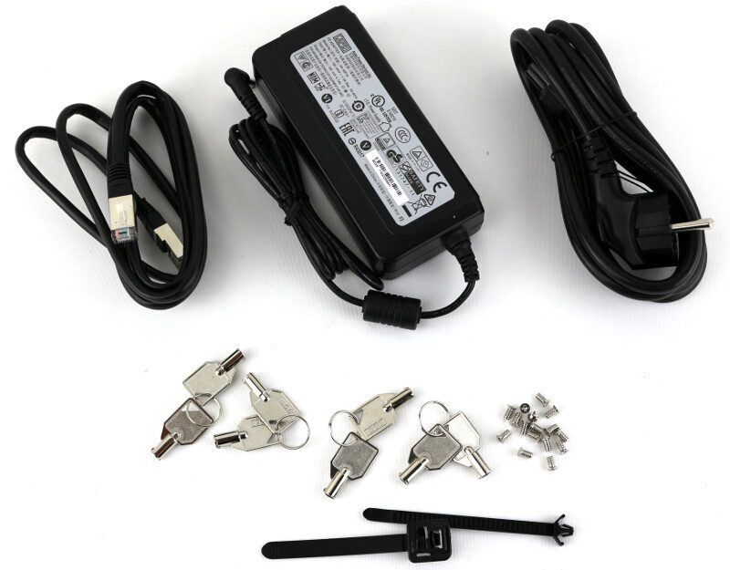 thecus-n4810-photo-box-accessories