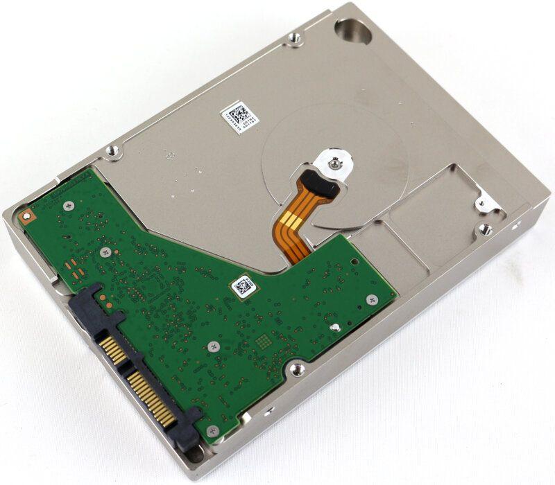 Seagate IronWolf Pro 10TB Photo bottom