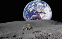 SpaceX Plans to Send Tourists to the Moon in 2018