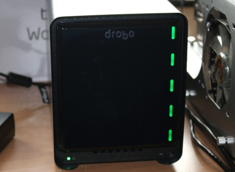 Drobo 5N2 Photo power on front