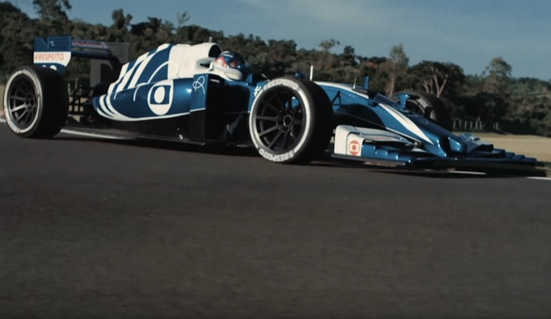 Man Drives F1 Car With the Power of His Mind