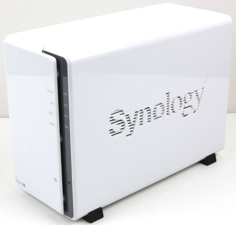 Synology DS218j Photo view front left