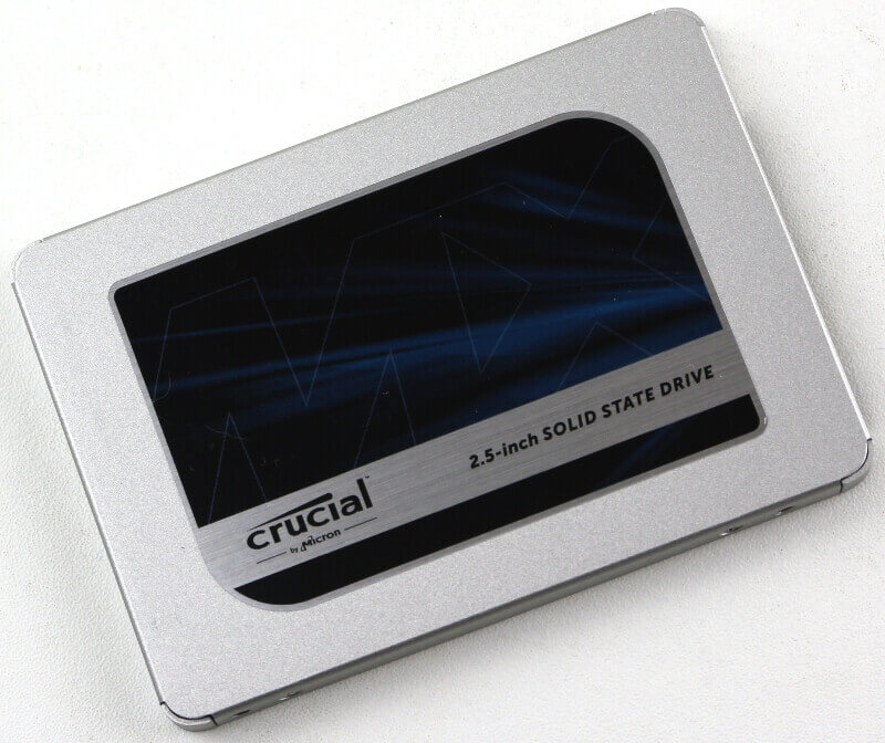 Crucial MX500 1TB Photo view top angle 2