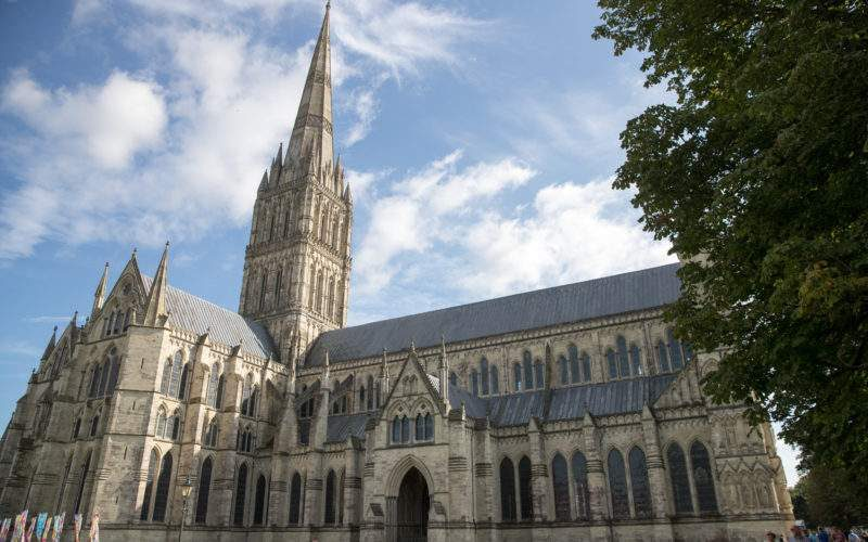 UK Government and Church of England Join Forces to Improve Wi-Fi