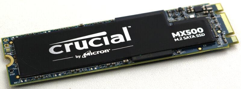 Crucial MX500 M2 1TB Photo view angle 1