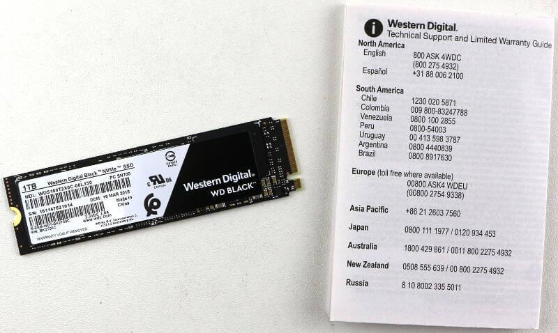 WD Black PCIe M2 1TB Photo box content