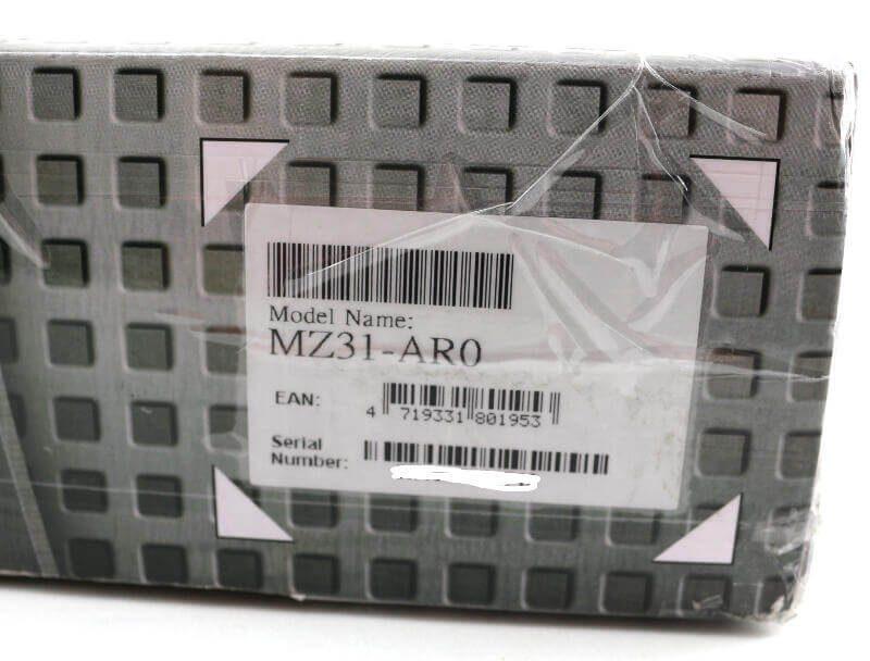 GIGABYTE MZ31 AR0 Photo box label