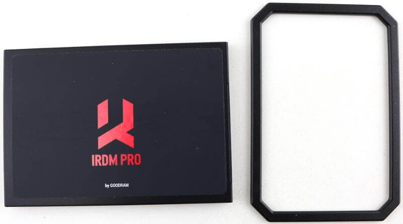 GOODRAM IRDM PRO 480GB Photo box content