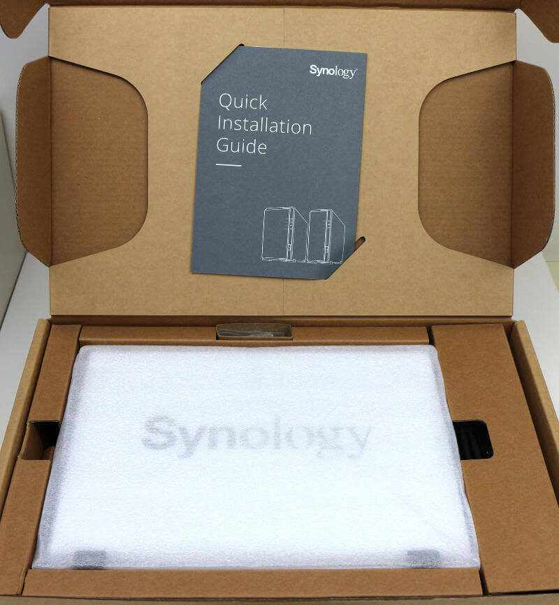 Synology DS119j Photo box open