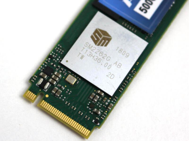 Mushkin Pilot 500GB Photo view 4 closeup controller and connector