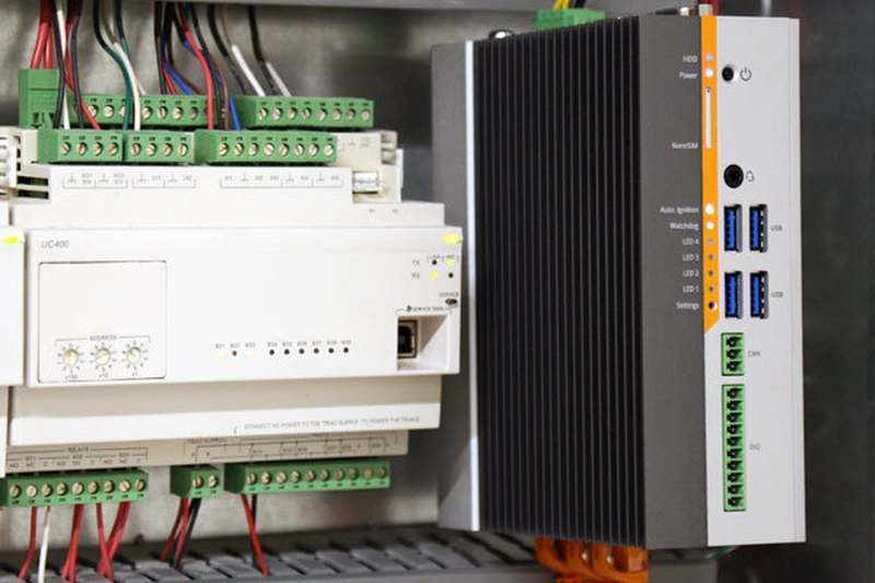 Logic Supply Karbon 300 din-rail-mounted