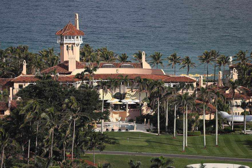Woman with Malware in USB Arrested at Trump's Mar-a-Lago Resort