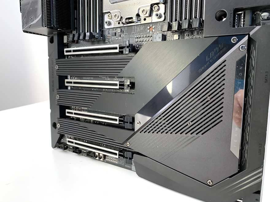AORUS TRX40 Xtreme Threadripper Motherboard Preview
