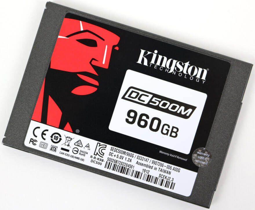 Kinston DC500M 960GB Photo angle 2