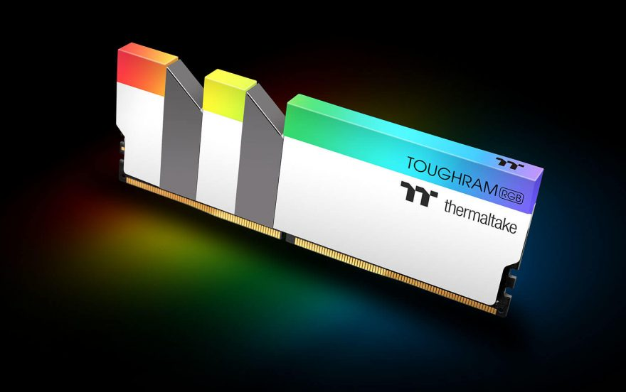 Thermaltake TOUGHRAM RGB White Edition DDR4 2