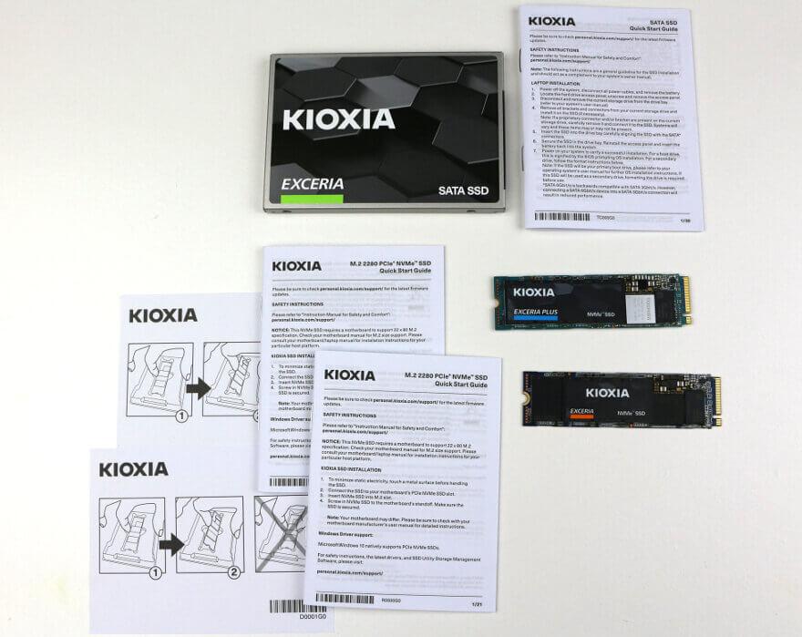 Photo Kioxia Exceria boxes content