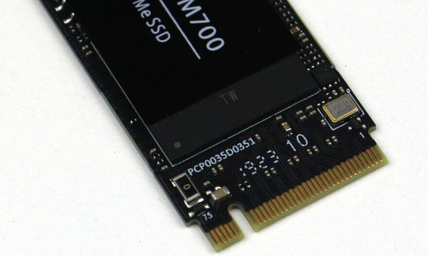 Lexar NM700 1TB Photo view 5 closeup connector
