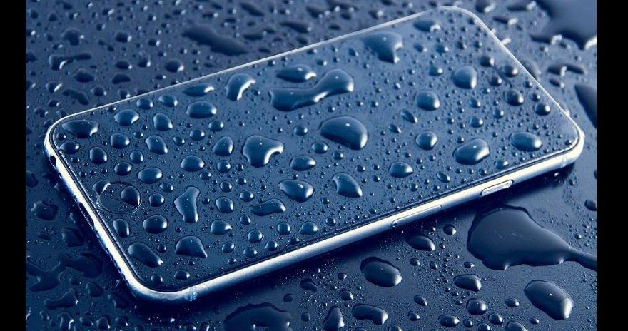 Apple iPhone water