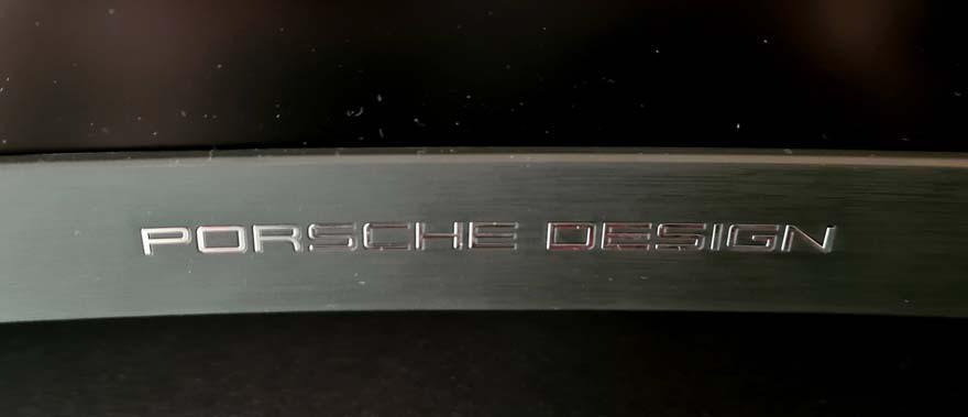 20 AOC AGON Porsche Design PD27 4