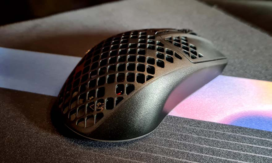 SteelSeries Aerox 3 Wireless Super Light Mouse Review back right