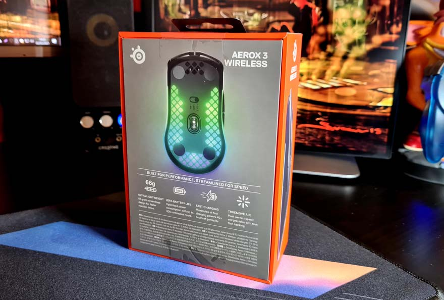 SteelSeries Aerox 3 Wireless Super Light Mouse Review box rear