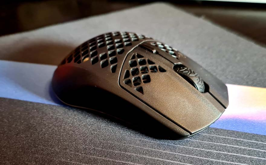 SteelSeries Aerox 3 Wireless Super Light Mouse Review front right