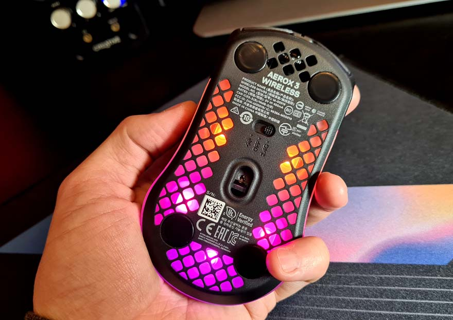 SteelSeries Aerox 3 Wireless Super Light Mouse Review rgb 7