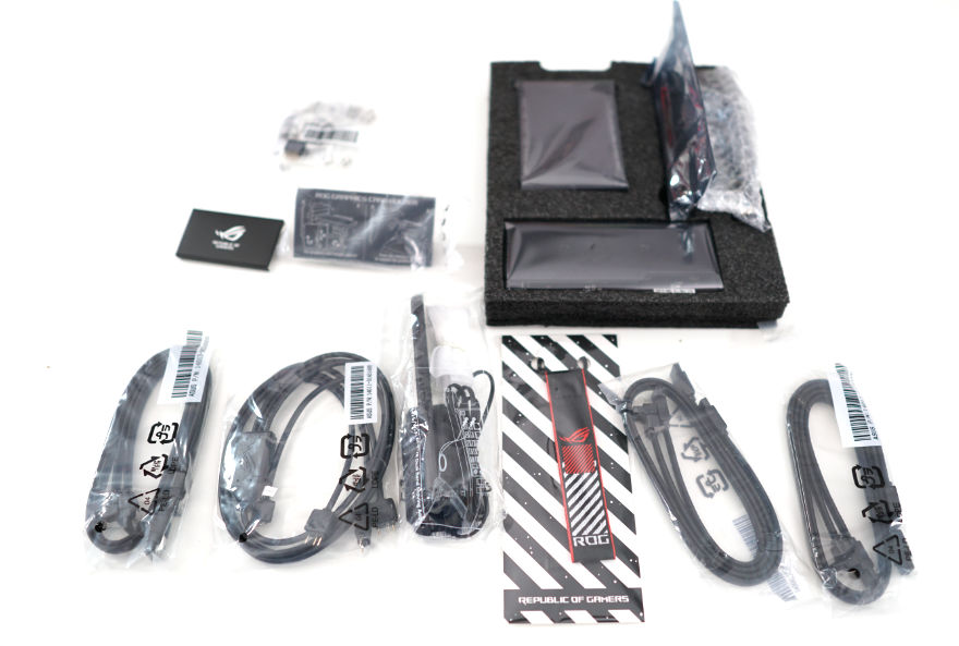 ASUS ROG MAXIMUS XIII EXTREME Motherboard accessories