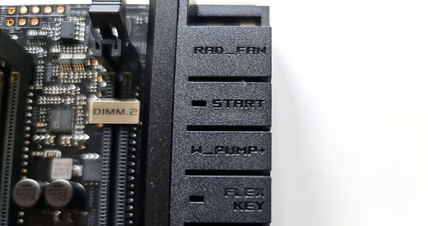 ASUS ROG MAXIMUS XIII EXTREME Motherboard star button and flex key
