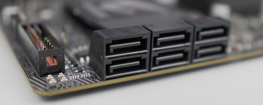 Gigabyte B560M AORUS ELITE Motherboard sata ports