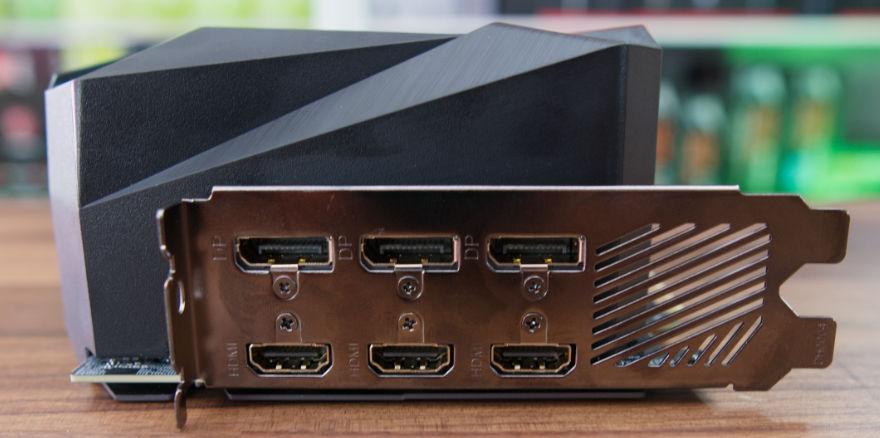 Gigabyte RTX 3070 Ti AORUS MASTER output connectors